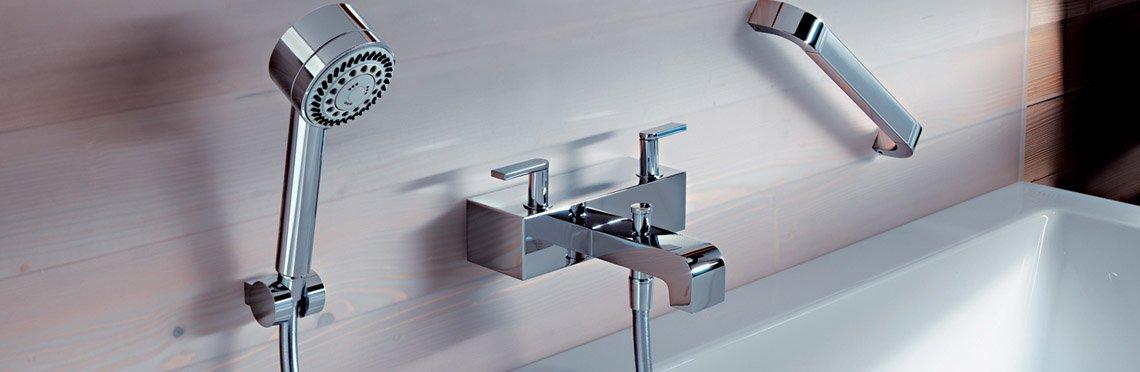Установка смесителя для ванны фото 4