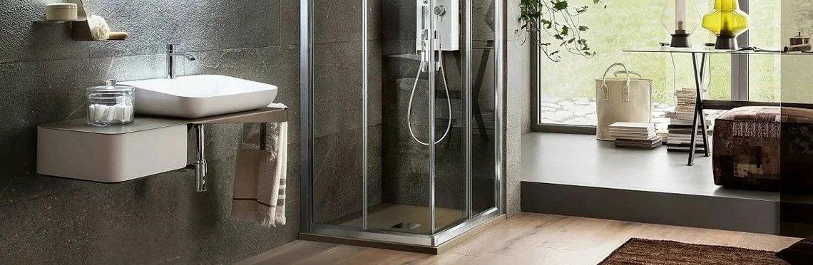 Установка стеклянной шторки на ванну фото 1