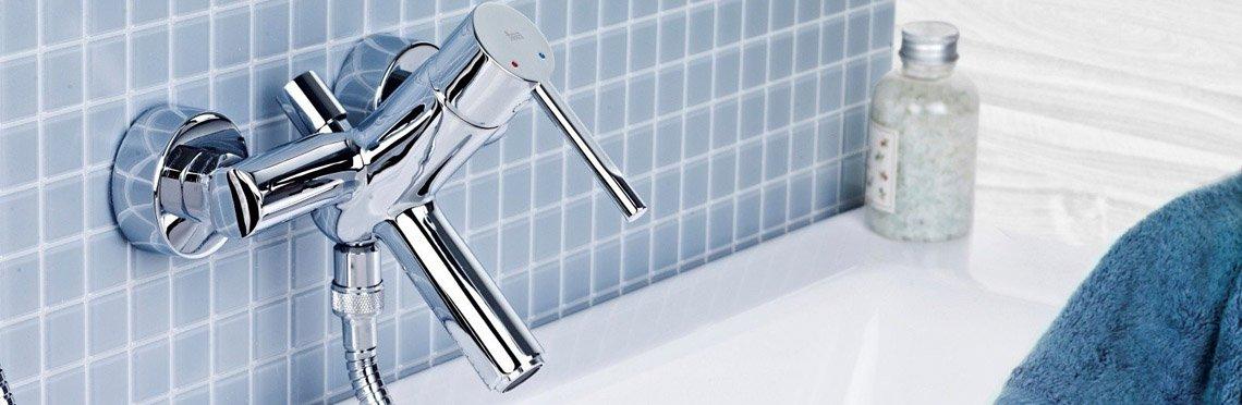 Установка смесителя для ванны фото 5
